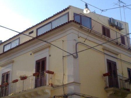 Appartamento in vendita a Ragusa, 4 locali, zona Zona: Centro, prezzo € 140.000 | CambioCasa.it