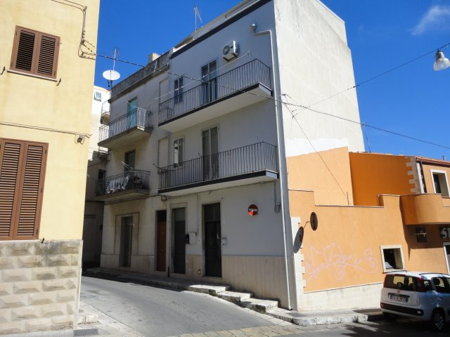 Ufficio / Studio in affitto a Ragusa, 9999 locali, zona Località: COZZO CORRADO, prezzo € 300 | Cambio Casa.it