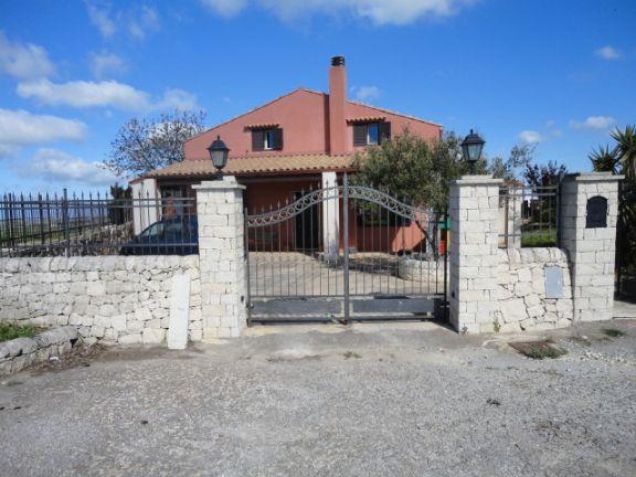 Villa in vendita a Ragusa, 6 locali, prezzo € 240.000 | Cambio Casa.it
