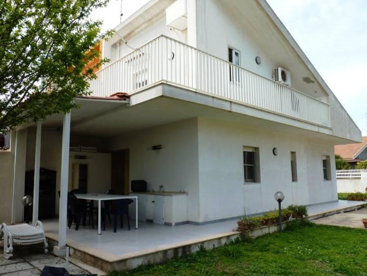 Soluzione Indipendente in affitto a Santa Croce Camerina, 5 locali, zona Località: CASUZZE, prezzo € 1.200 | Cambio Casa.it