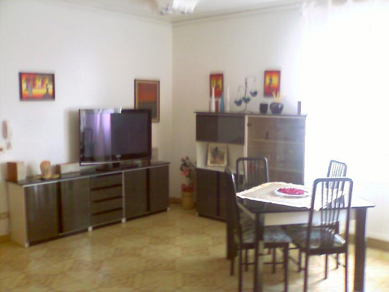 Appartamento in vendita a Ragusa, 5 locali, zona Località: CROCE-PENDENTE, prezzo € 135.000 | Cambio Casa.it