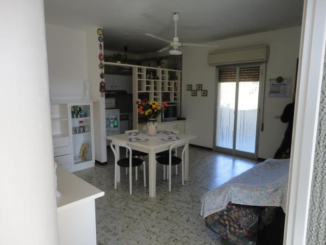 Appartamento in vendita a Santa Croce Camerina, 3 locali, zona Località: CAUCANA, Trattative riservate | CambioCasa.it