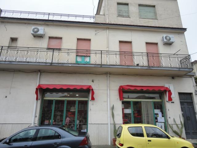 Immobile Commerciale in vendita a Giarratana, 1 locali, prezzo € 80.000 | Cambio Casa.it