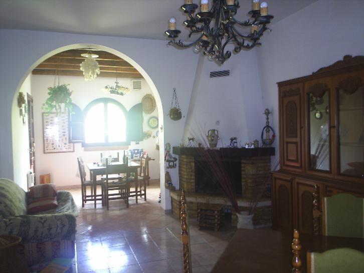Villa in affitto a Ragusa, 4 locali, zona Zona: Marina di Ragusa, prezzo € 2.200 | Cambio Casa.it