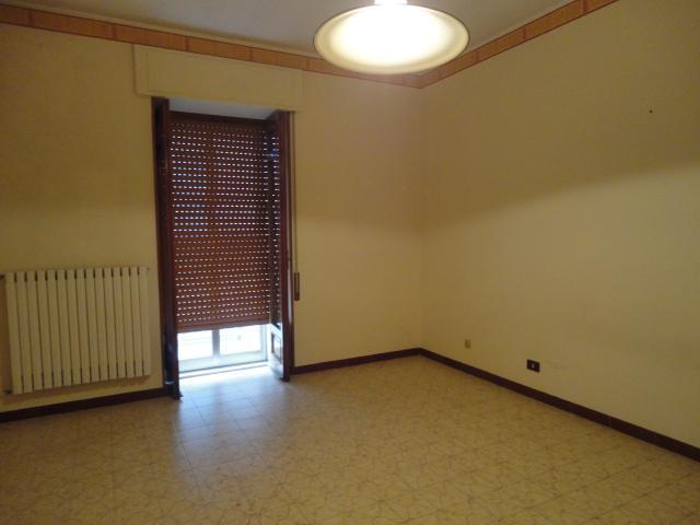 Appartamento in vendita a Ragusa, 4 locali, zona Località: COZZO CORRADO, prezzo € 90.000 | Cambio Casa.it