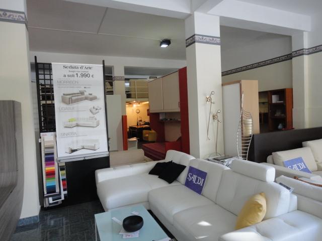 Negozio / Locale in vendita a Ragusa, 1 locali, prezzo € 300.000 | Cambio Casa.it