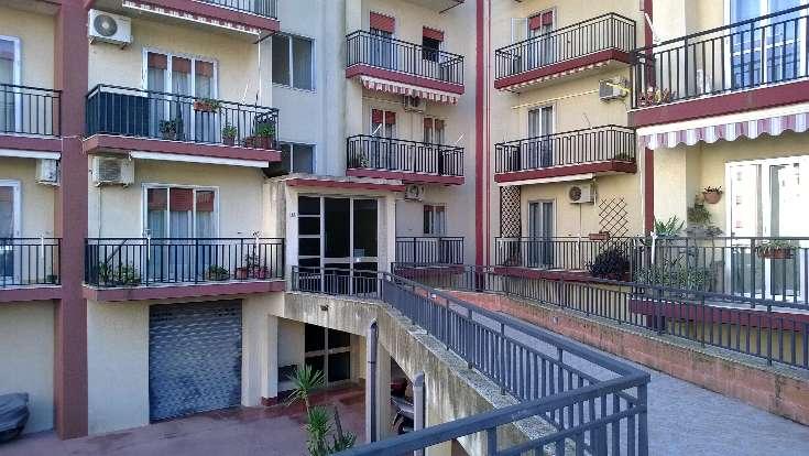 Appartamento in vendita a Ragusa, 4 locali, zona Località: CROCE-PENDENTE, prezzo € 120.000 | Cambio Casa.it