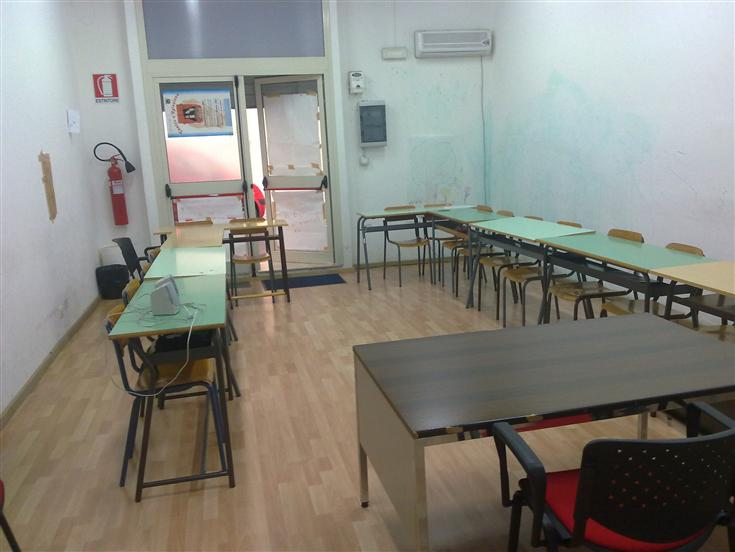 Ufficio / Studio in affitto a Ragusa, 2 locali, zona Zona: Cappuccini, prezzo € 400 | Cambio Casa.it