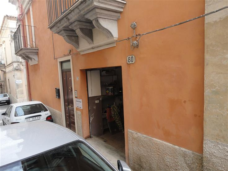 Box / Garage in Vendita a Ragusa