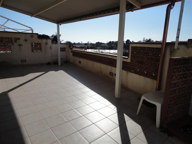 Soluzione Indipendente in vendita a Ragusa, 3 locali, zona Zona: Marina di Ragusa, prezzo € 100.000   CambioCasa.it
