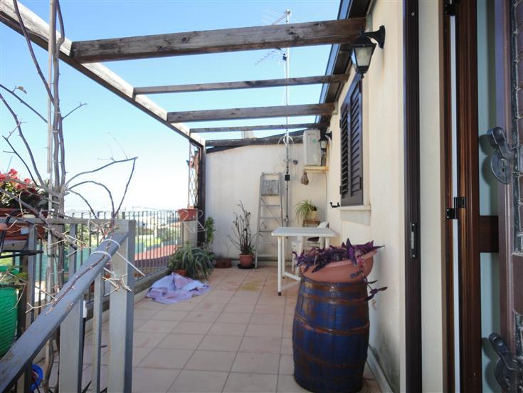 Soluzione Indipendente in vendita a Ragusa, 4 locali, zona Zona: Marina di Ragusa, Trattative riservate | Cambio Casa.it