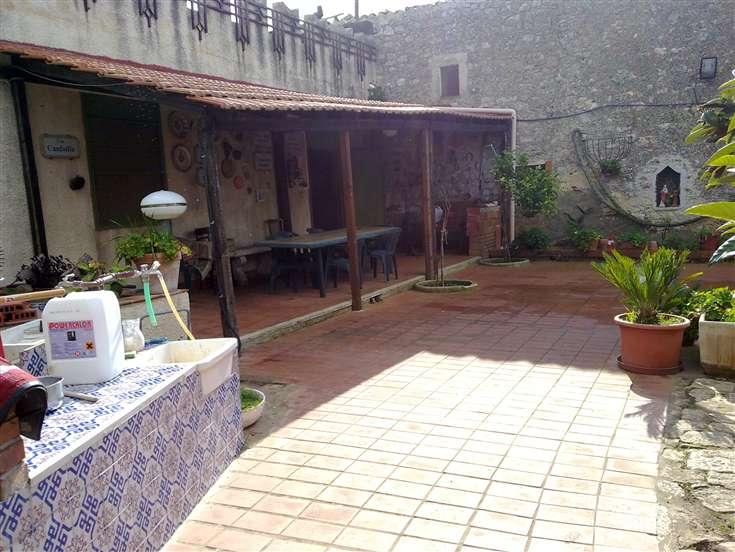 Soluzione Indipendente in affitto a Ragusa, 1 locali, prezzo € 250 | CambioCasa.it