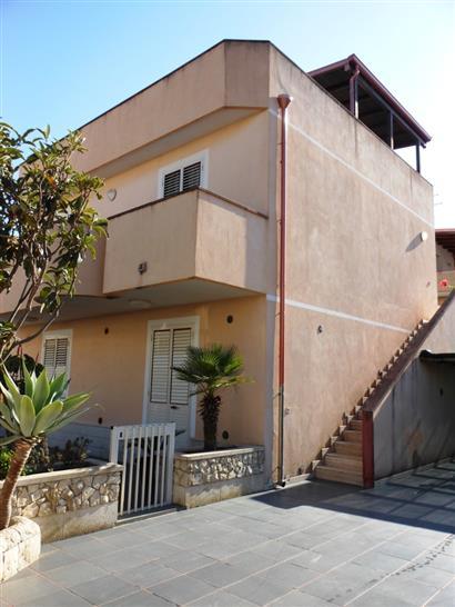 Soluzione Indipendente in vendita a Ispica, 6 locali, zona Località: SANTA MARIA DEL FOCALLO, prezzo € 300.000 | CambioCasa.it