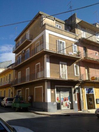 Casa ragusa appartamenti e case in affitto for Case arredate in affitto a ragusa