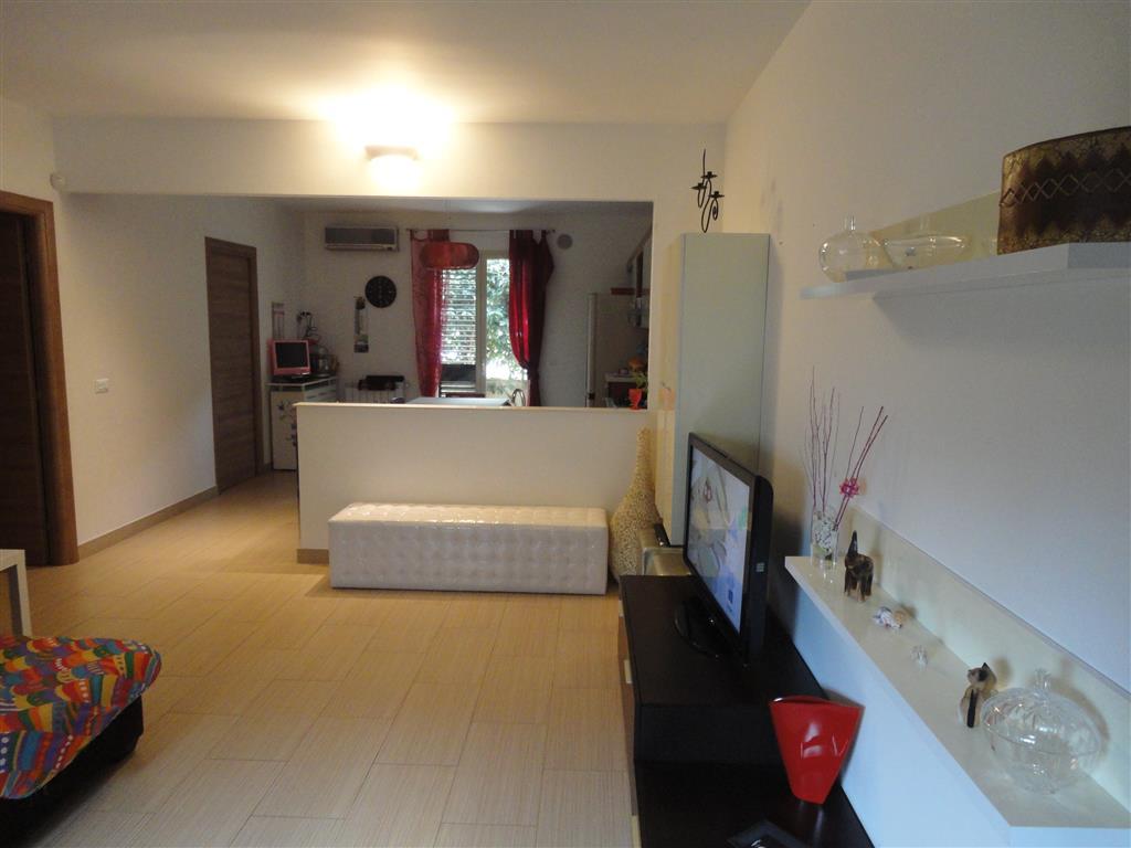 Appartamento in vendita a Ragusa, 4 locali, zona Zona: Bruscé, prezzo € 155.000 | Cambio Casa.it