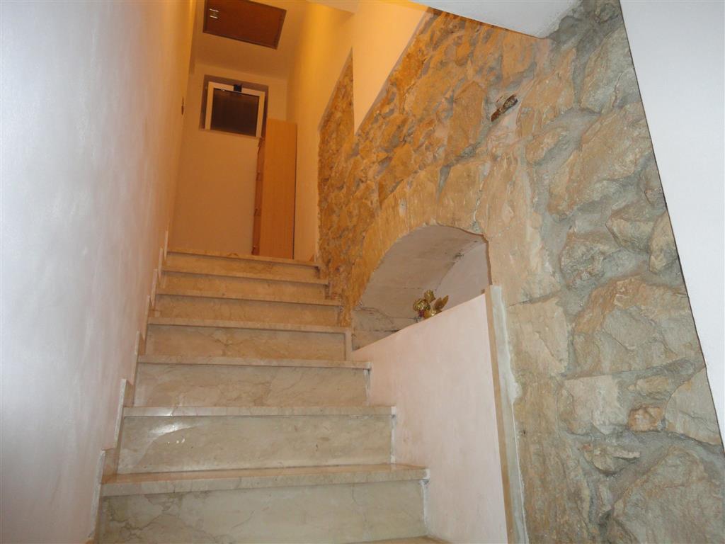 Soluzione Indipendente in vendita a Ragusa, 2 locali, zona Zona: Centro, prezzo € 45.000 | Cambio Casa.it