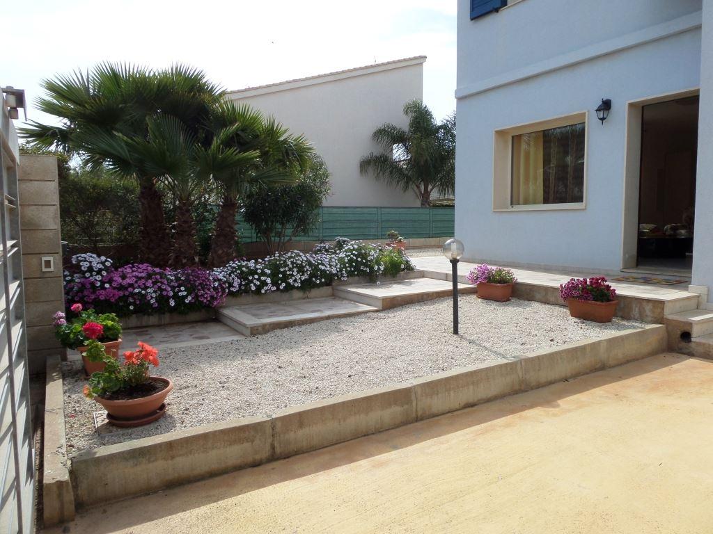 Villa in affitto a Ragusa, 5 locali, zona Zona: Marina di Ragusa, prezzo € 550 | Cambio Casa.it