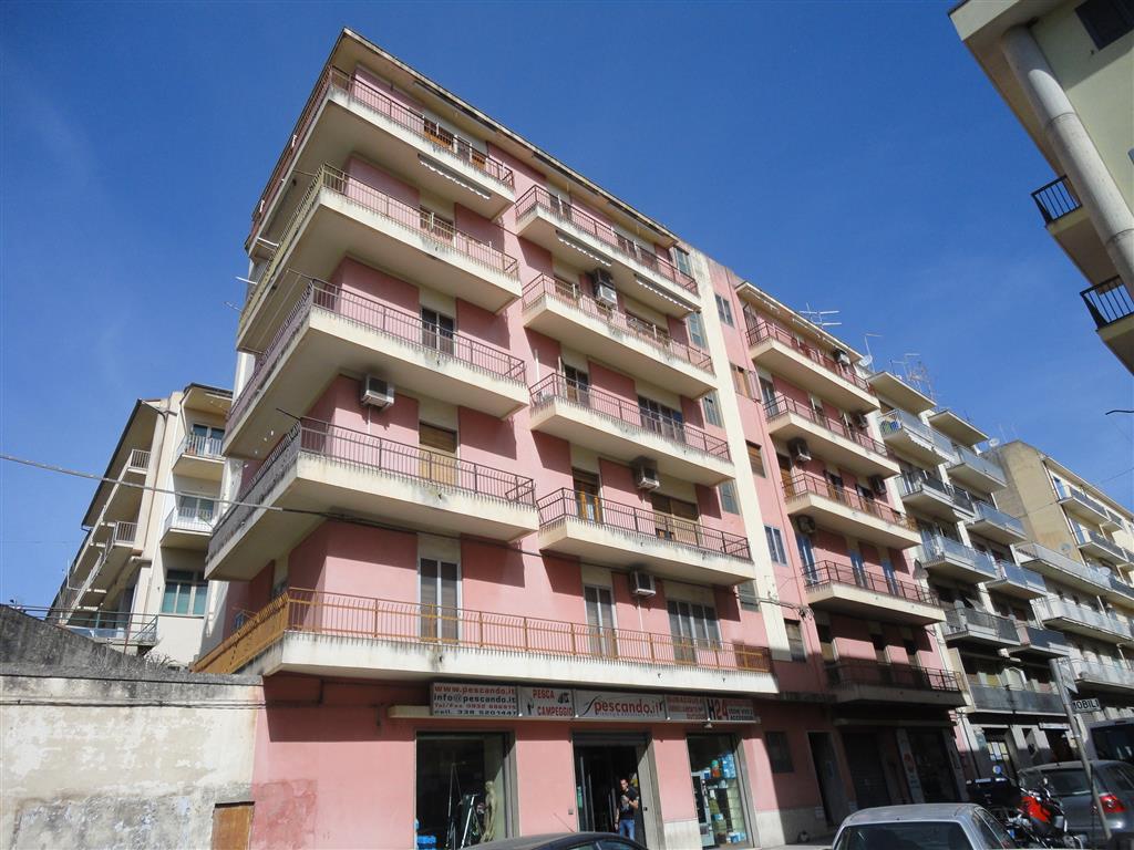 Appartamento in vendita a Ragusa, 6 locali, zona Località: VIA RISORGIMENTO, prezzo € 119.000   Cambio Casa.it