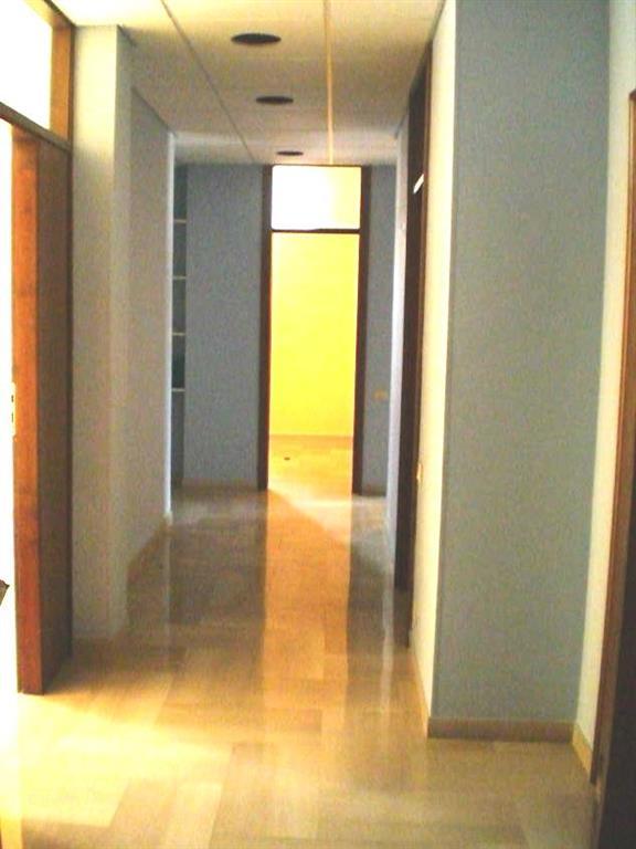 Ufficio / Studio in vendita a Ragusa, 5 locali, zona Zona: Centro, prezzo € 115.000 | CambioCasa.it