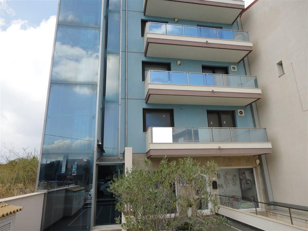 Appartamento in vendita a Ragusa, 5 locali, zona Località: BEDDIO, prezzo € 210.000 | Cambio Casa.it
