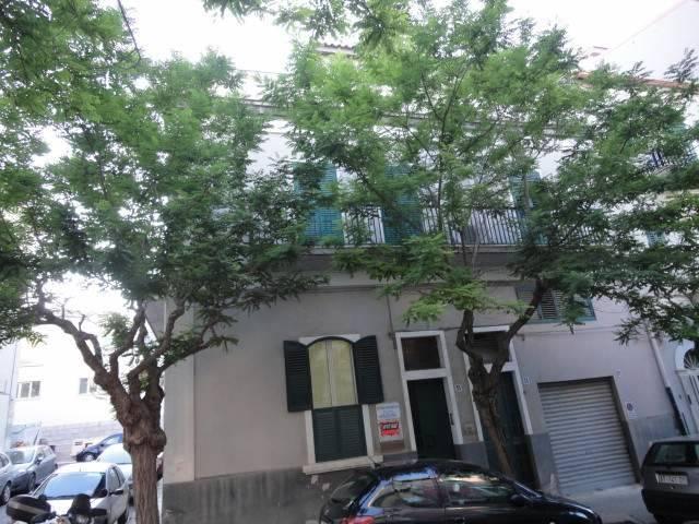 Appartamento in affitto a Ragusa, 2 locali, zona Zona: Centro, prezzo € 300 | Cambio Casa.it
