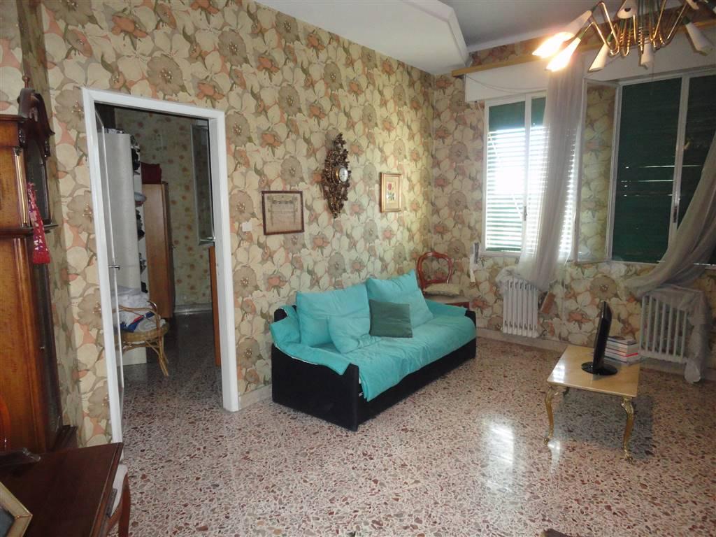 Appartamento in vendita a Ragusa, 5 locali, prezzo € 59.000   CambioCasa.it