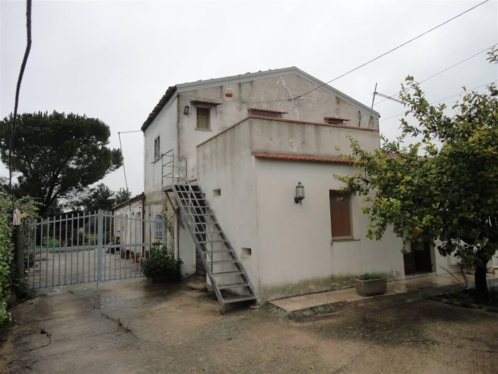 Villa in vendita a Chiaramonte Gulfi, 4 locali, prezzo € 62.500 | Cambio Casa.it