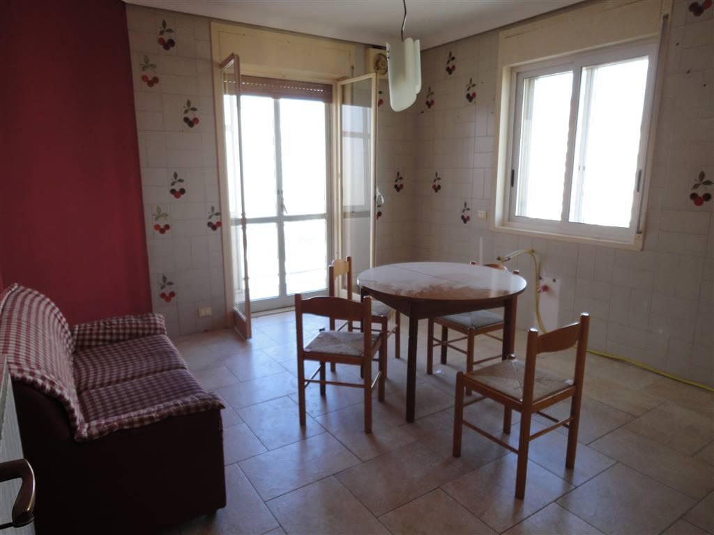 Appartamento in vendita a Ragusa, 5 locali, zona Zona: Cupoletti, prezzo € 85.000 | Cambio Casa.it