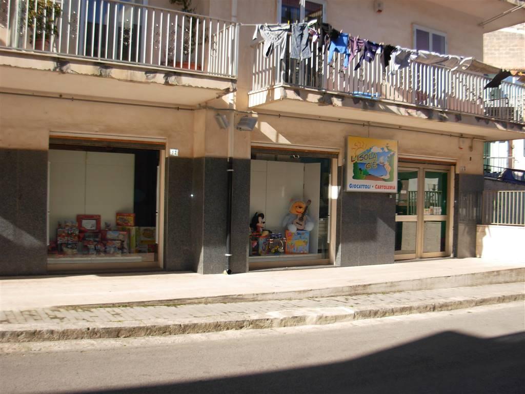 Immobile Commerciale in affitto a Ragusa, 3 locali, prezzo € 600 | Cambio Casa.it