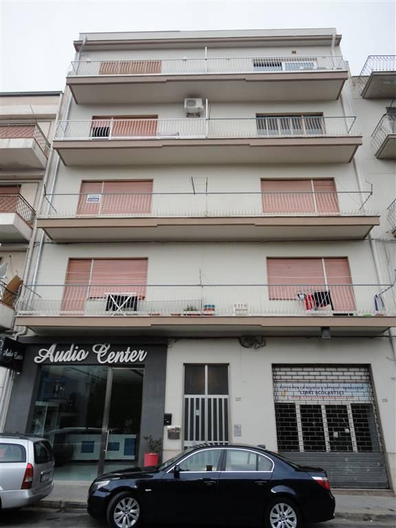 Appartamento in vendita a Ragusa, 6 locali, zona Zona: Centro, prezzo € 59.000 | Cambio Casa.it