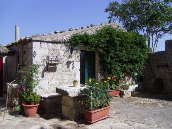 Soluzione Indipendente in Affitto a Ragusa