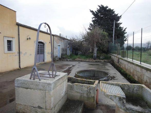 Rustico / Casale in vendita a Chiaramonte Gulfi, 6 locali, prezzo € 35.000 | CambioCasa.it