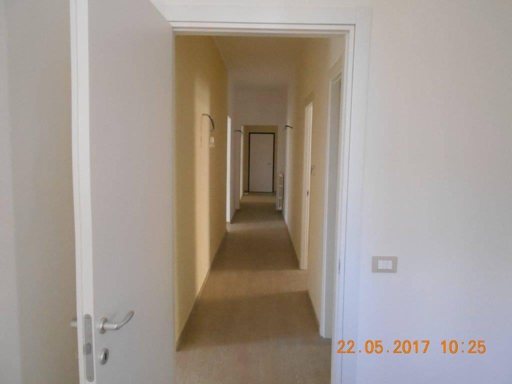 Appartamento in vendita a Ragusa, 6 locali, zona Zona: Centro, prezzo € 168.000   CambioCasa.it