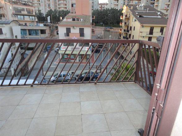 Attico / Mansarda in affitto a Ragusa, 2 locali, prezzo € 300 | CambioCasa.it