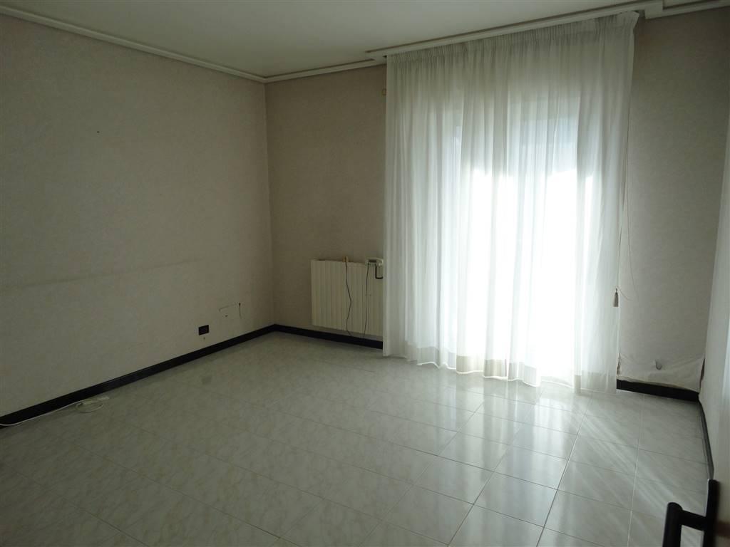 Appartamento in affitto a Ragusa, 6 locali, prezzo € 420 | CambioCasa.it