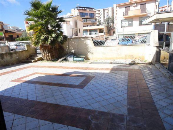 Appartamento in affitto a Ragusa, 5 locali, zona Zona: Cupoletti, prezzo € 530 | CambioCasa.it