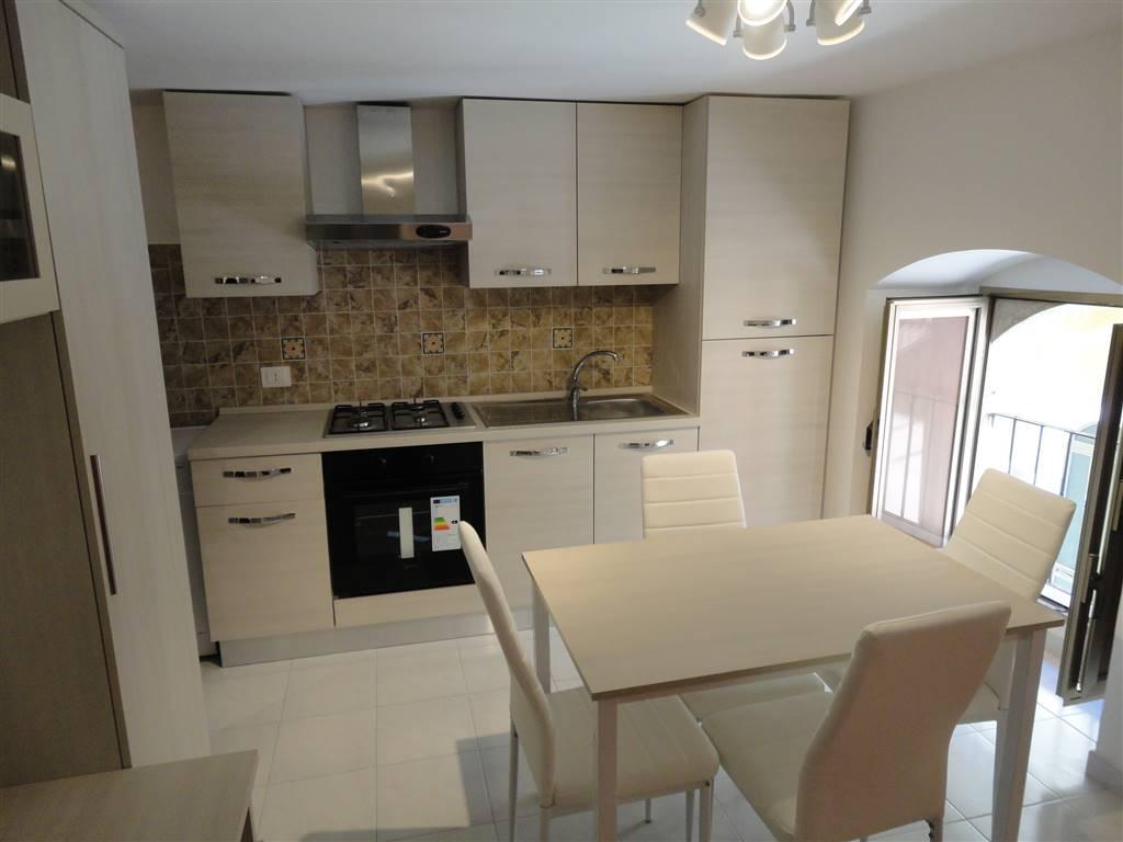 Soluzione Indipendente in affitto a Ragusa, 1 locali, zona Zona: Centro, prezzo € 300 | CambioCasa.it