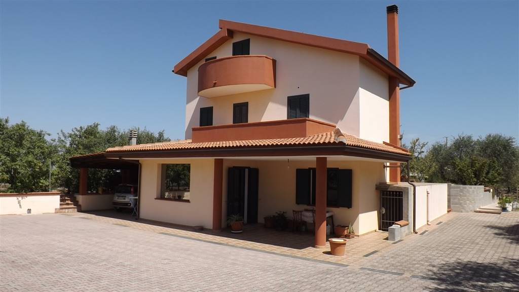 Villa-Villetta  in Vendita a Sassari