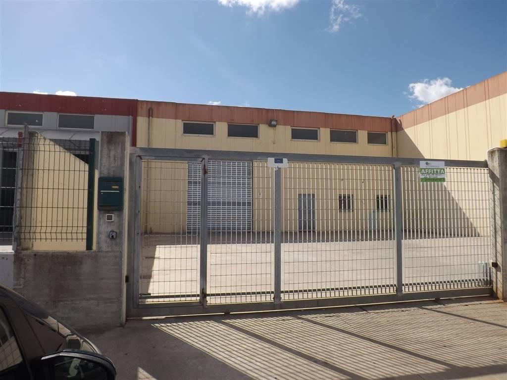 Attività commerciale Bilocale in Affitto a Sassari
