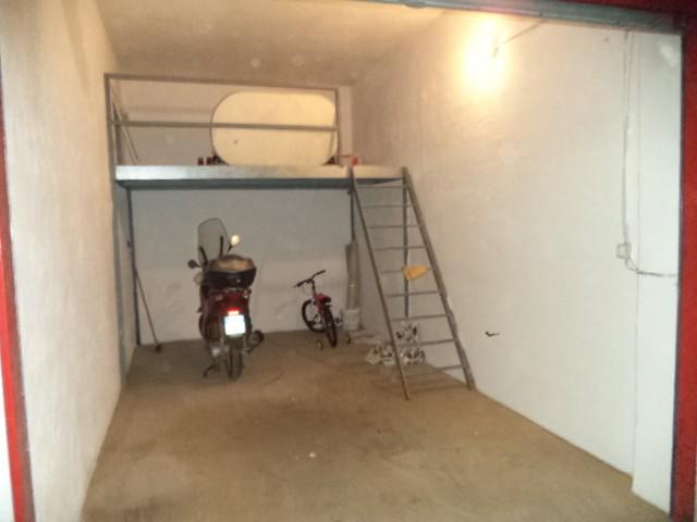 Box / Garage in vendita a Castellammare di Stabia, 1 locali, zona Località: SAN MARCO, prezzo € 35.000 | CambioCasa.it