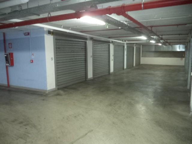Box / Garage in affitto a Castellammare di Stabia, 1 locali, zona Località: CENTRO, prezzo € 135 | Cambio Casa.it