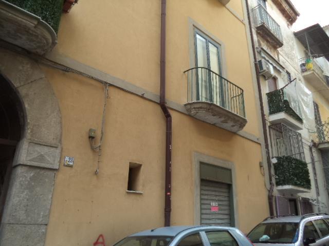 Negozio / Locale in vendita a Castellammare di Stabia, 2 locali, prezzo € 85.000 | Cambio Casa.it
