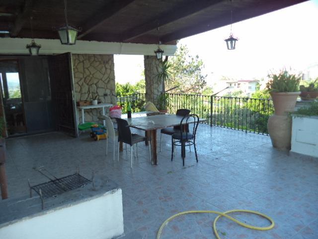 Villa Bifamiliare in vendita a Castellammare di Stabia, 10 locali, prezzo € 580.000 | CambioCasa.it