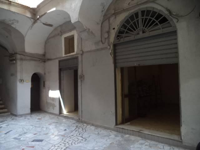 Magazzino in vendita a Castellammare di Stabia, 9999 locali, prezzo € 30.000 | Cambio Casa.it