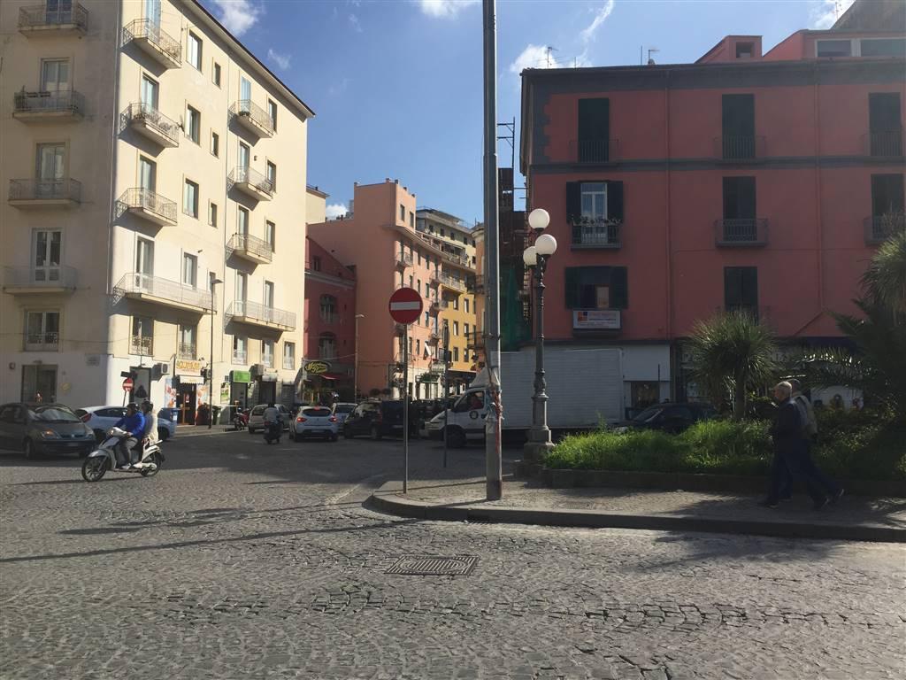 Negozio / Locale in vendita a Castellammare di Stabia, 3 locali, prezzo € 170.000 | Cambio Casa.it