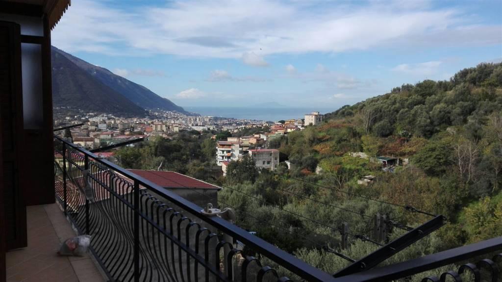 Attico / Mansarda in affitto a Casola di Napoli, 4 locali, prezzo € 600 | Cambio Casa.it