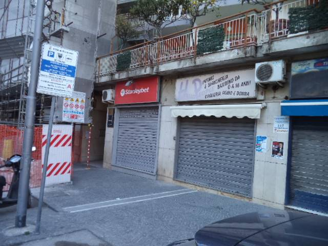 Negozio / Locale in vendita a Gragnano, 9999 locali, prezzo € 110.000   Cambio Casa.it