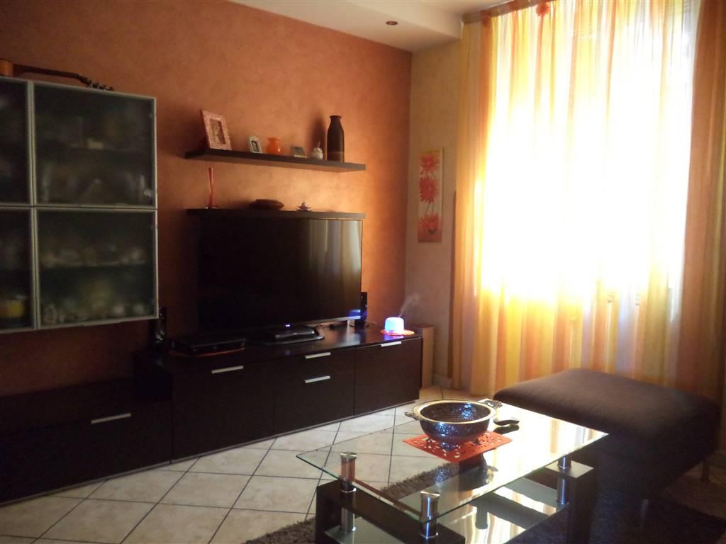 Appartamento in vendita a Gragnano, 4 locali, prezzo € 220.000 | CambioCasa.it