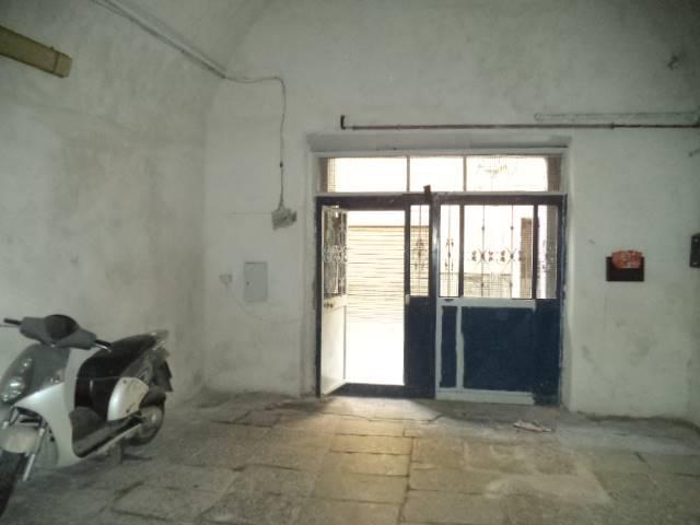 Magazzino in vendita a Castellammare di Stabia, 2 locali, prezzo € 80.000 | CambioCasa.it
