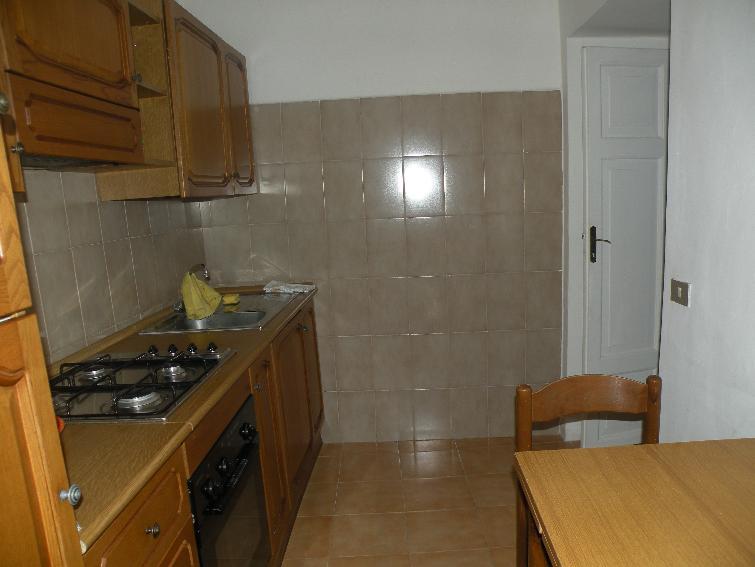 Appartamento in affitto a Sant'Anatolia di Narco, 3 locali, zona Zona: Gavelli, prezzo € 250 | Cambio Casa.it